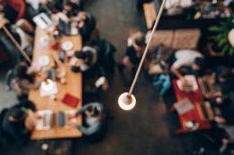 Diseño sostenible y ahorro energético en el espacio de coworking