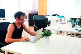 Miguel y Adriana, beworkers freelances dedicados al medio ambiente e informática.